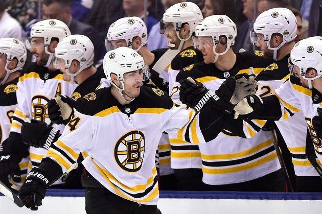 Útočník Jake DeBrusk sice vstřelil v dresu Bostonu gól Torontu, ale na postup do 2. kola play off to zatím nestačilo. Rozhodne se v sedmém utkání série.