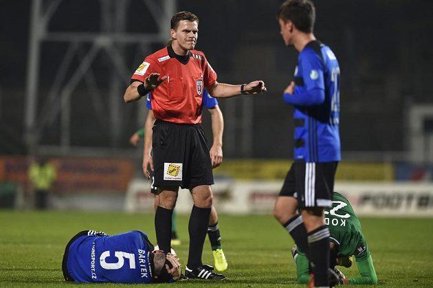 Hlavním rozhodčím osmifinále fotbalového MOL Cupu mezi Příbramí a Bohemians byl Pavel Rejžek.