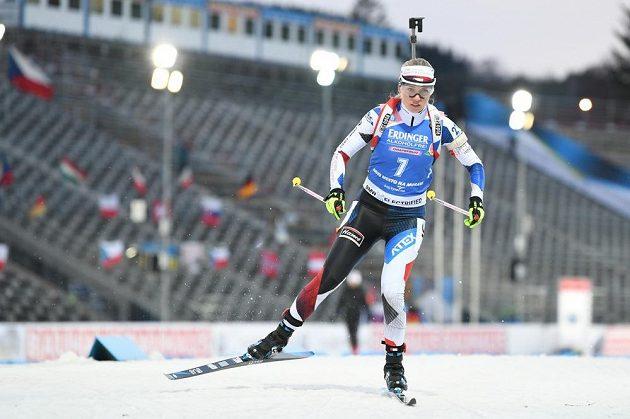 Eva Kristejn Puskarčíková při závodě SP ve sprintu v Novém Městě na Moravě.