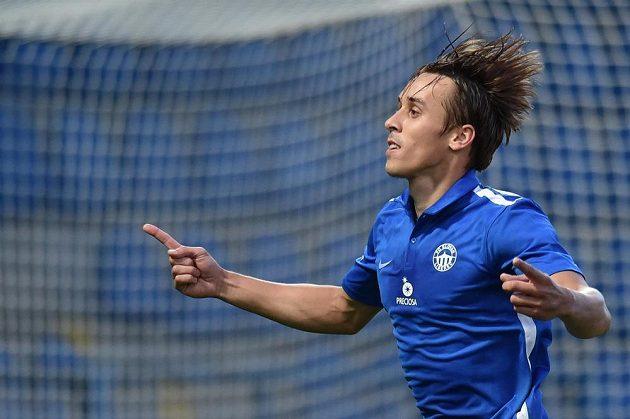 Liberecký fotbalista Josef Šural se raduje z proměněné penalty proti Mladé Boleslavi.