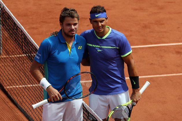 Stan Wawrinka (vlevo) a Rafael Nadal před vzájemných finále na French Open.