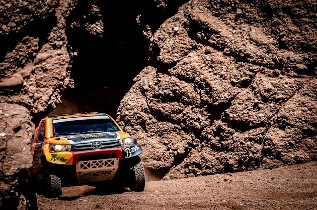 Martin Prokop a nádherné scenérie při 8. etapě Rallye Dakar.