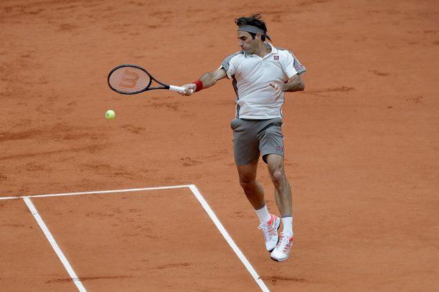 Roger Federer bojuje o postup do finále French Open