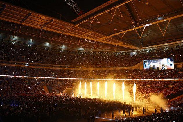 Show ve Wembley před zápasem Joshua - Kličko.