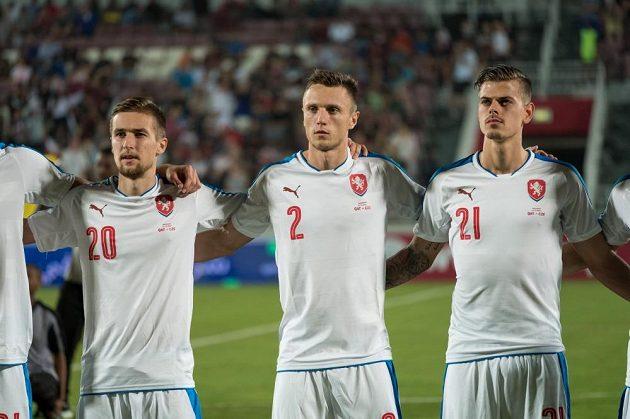 Zleva David Houska, Šimon Falta a Jan Kliment před utkáním s Katarem.
