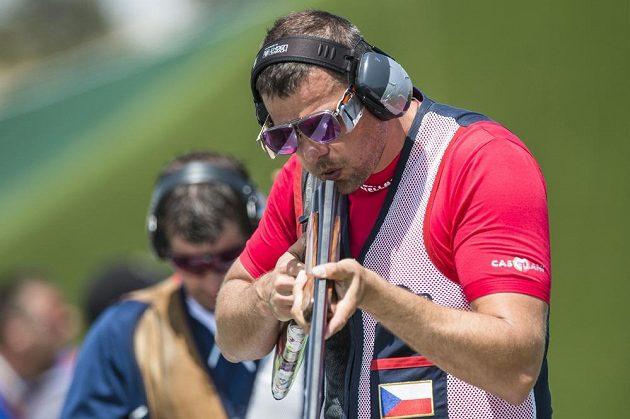 Střelec David Kostelecký nepostoupil na Evropských hrách v Baku do bojů o medaile v trapu.