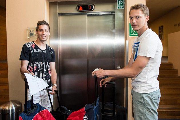 Michal Sáček (vlevo) a Lukáš Juliš během srazu reprezentace do 21 let před nadcházejícím ME v Polsku.