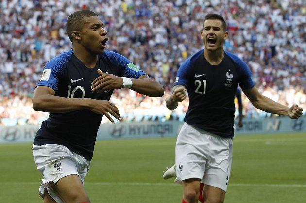 Francouzský fotbalista Kylian Mbappé v osmifinále mistrovství světa s Argentinou vyvinul rychlost 38 kilometrů za hodinu.