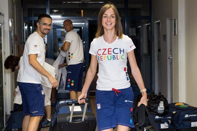 Chodkyně Anežka Drahotová během odletu čtvrté části olympijské výpravy na LOH do Ria.