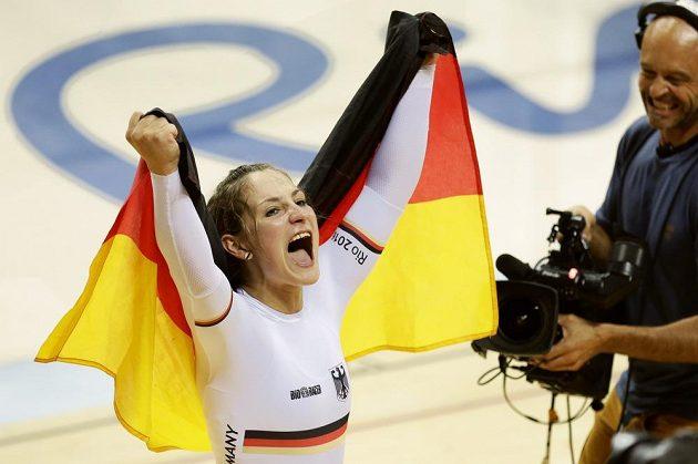 Kristina Vogelová z Německa je novou olympijskou vítězkou sprintu na dráze.
