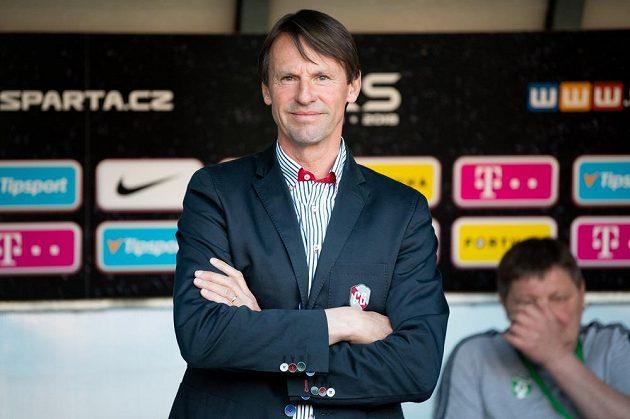 Trenér Karviné František Straka během utkání 29. kola Fortuna ligy na Spartě.