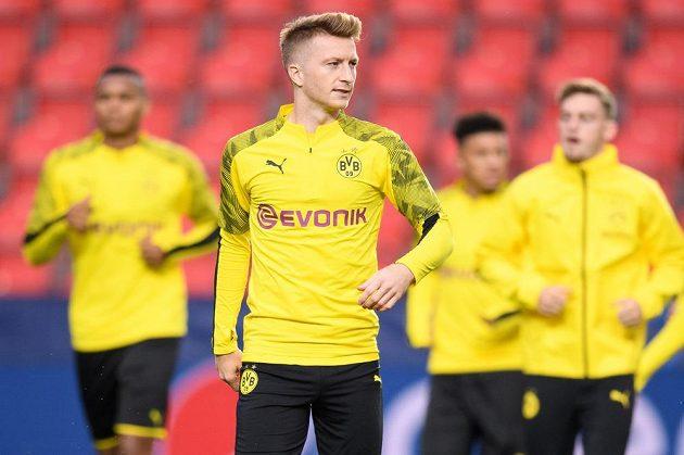 Marco Reus z Dortmundu během tréninku před utkáním základní skupiny Ligy mistrů na hřišti Slavie Praha.
