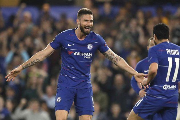 Modrá radost. Fotbalista Chelsea Olivier Giroud slaví gól v utkání Evropské ligy se Slavií.