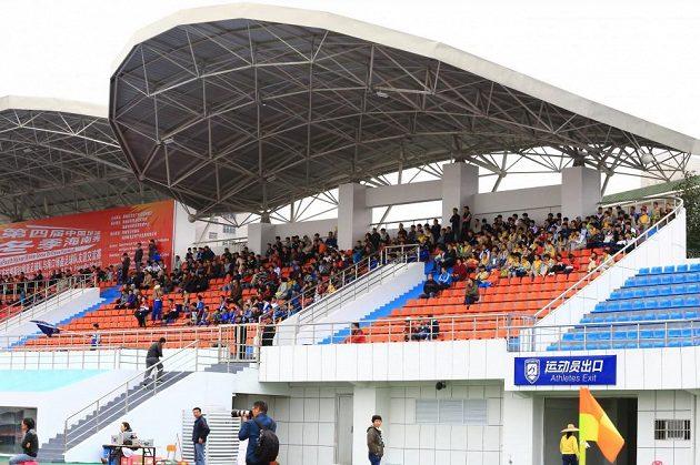 Na zápas si našla cestu asi tisícovka fanoušků.