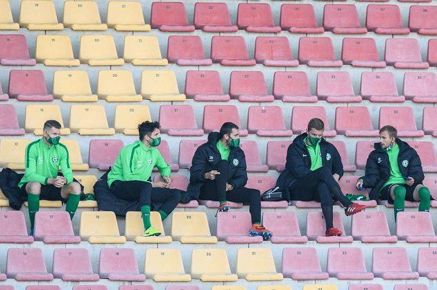 Náhradníci FK Příbram sledují utkání z tribuny utkání 25. kola Fortuna ligy s Baníkem Ostrava.