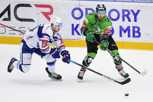 Zleva Brandon Magee z Brna a Jakub Kotala z Mladé Boleslavi.
