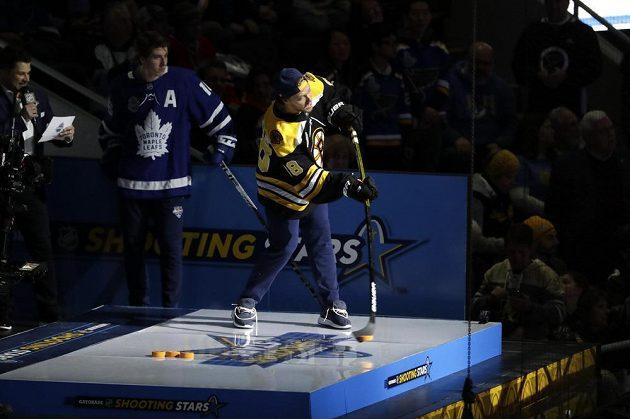 David Pastrňák skončil v nové disciplíně až na 9. místě. Jako nejlepší střelec NHL se snažil mířít i na zadní branku.