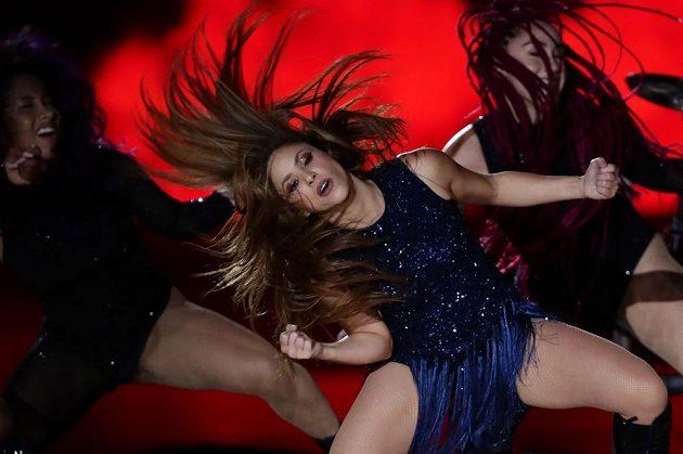 Shakira v akci. Žhavé představení při finále DC.
