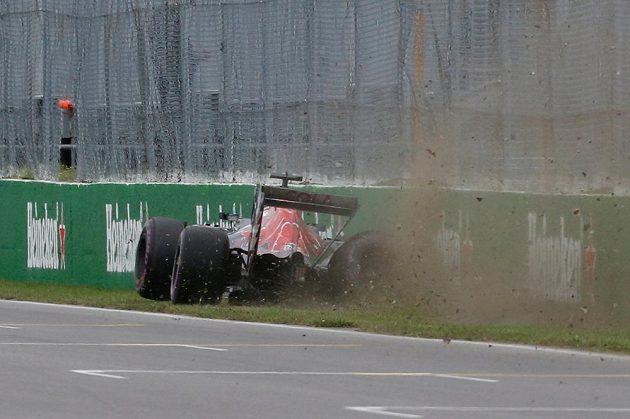 Španělský jezdec Carlos Sainz jr. ze stáje Torro Rosso havaroval při kvalifikaci na Velkou cenu Kanady.