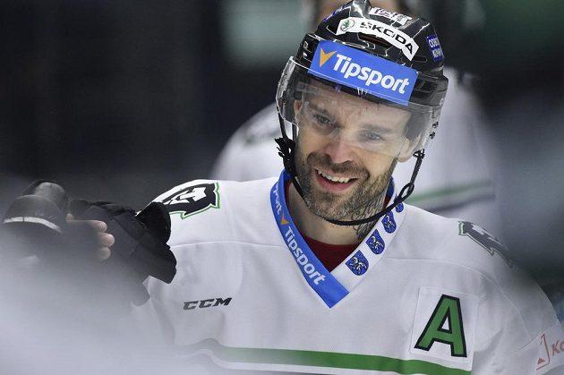 Hokejista Jakub Klepiš se raduje z gólu Mladé Boleslavi.