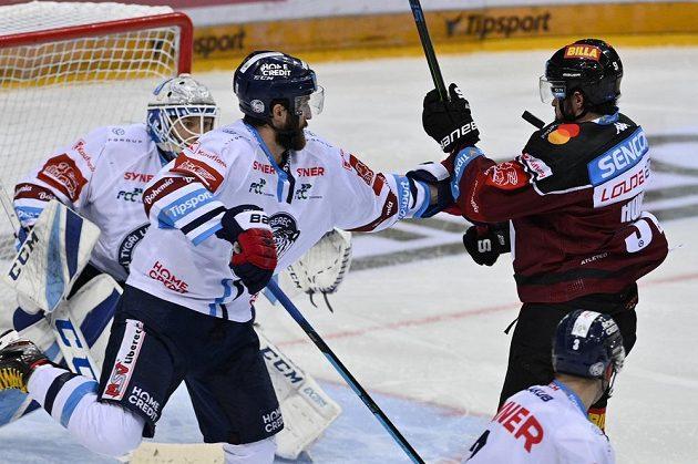Zleva Tomáš Filippi z Liberce a Roman Horák ze Sparty.
