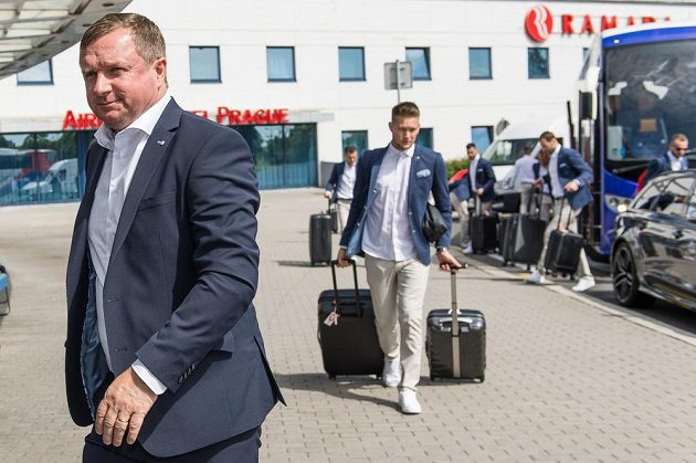 Trenér fotbalové reprezentace Pavel Vrba před odletem na EURO 2016 do Francie.