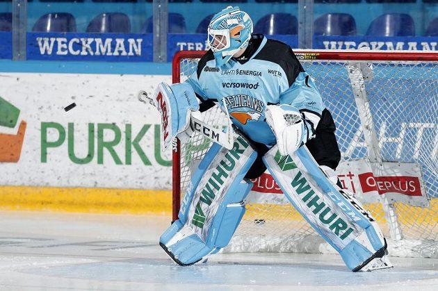 Brankář Jakub Škarek zažívá v dresu Lahti povedený start do sezóny.