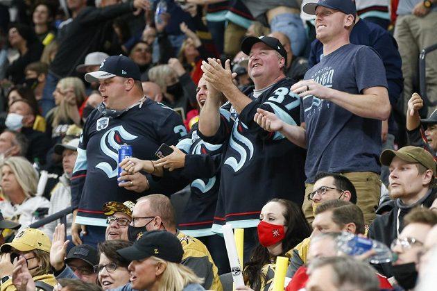 Premiéru v NHL si užívali i fanoušci týmu Seattle Kraken.