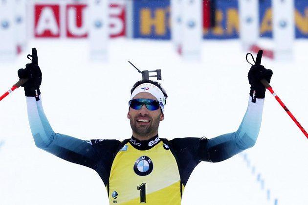 Francouz Martin Fourcade vyhrál stíhačku biatlonistů v Ruhpoldingu.