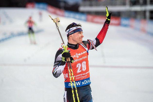 Biatlonista Michal Krčmář v cíli stíhacího závodu v rámci Světového poháru v Novém Městě na Moravě.