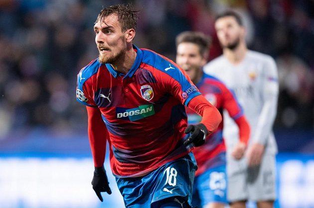 Tomáš Chorý z Viktorie Plzeň oslavuje vítězný gól proti AS Řím.