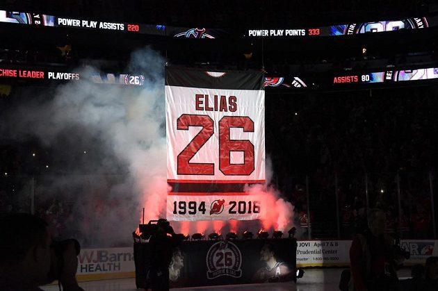 Dres Patrika Eliáše byl slavnostně vyvěšen pod strop haly hokejistů New Jersey.