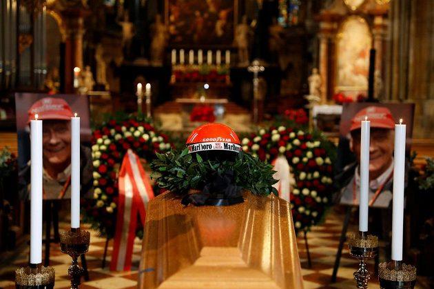 Rakev s ostatky Nikiho Laudy ve vídeňské katedrále Sv. Štěpána.
