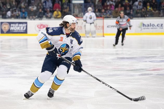 Kladenská hokejová legenda - Jaromír Jágr - v akci během utkání Chance ligy s HC Ústí nad Labem.