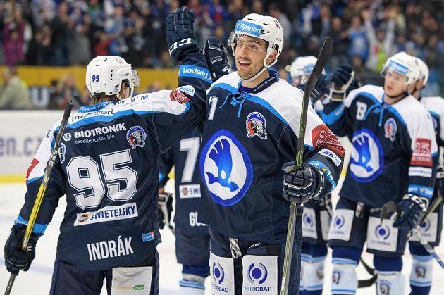 Michal Moravčík z Plzně oslavuje vítězný gól proti Jihlavě.