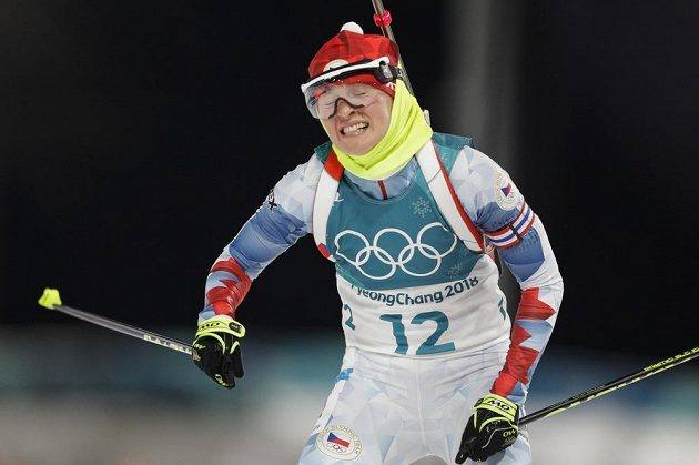 Biatlonistka Veronika Vítková ve sprintu jednou chybovala na stojce.
