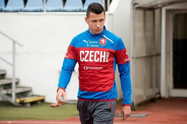 Obránce Marek Suchý přichází míří na trénink české fotbalové reprezentace.