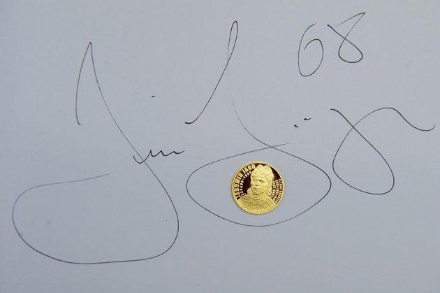 Hokejista Jaromír Jágr v České mincovně v Jablonci nad Nisou vyrazil minci s vlastní podobiznou.
