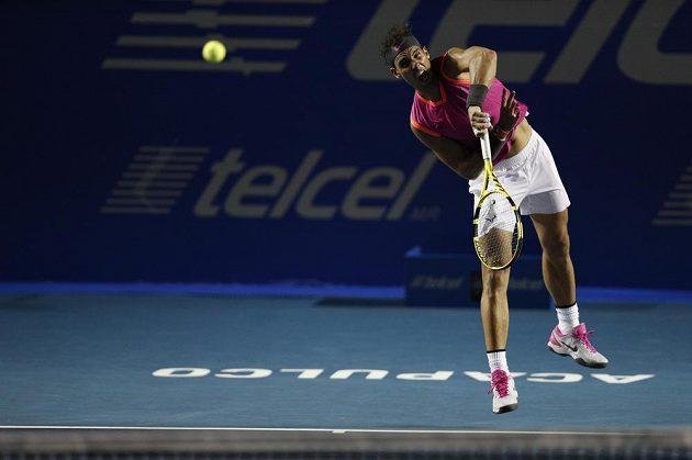 Rafael Nadal na podání
