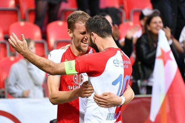 Tomáš Souček a Josef Hušbauer slaví gól