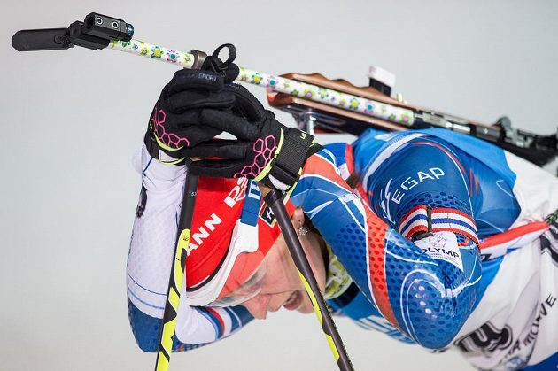 Vyčerpaná Veronika Vítková v cíli sprintu v Novém Městě na Moravě.