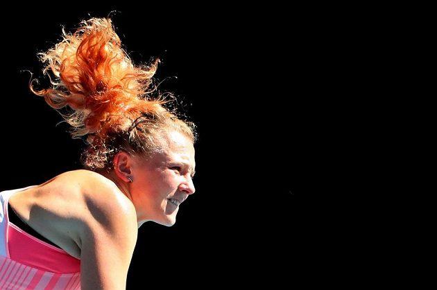 Česká tenistka Kateřina Siniaková v akci během finále čtyřhry na Australian Open.