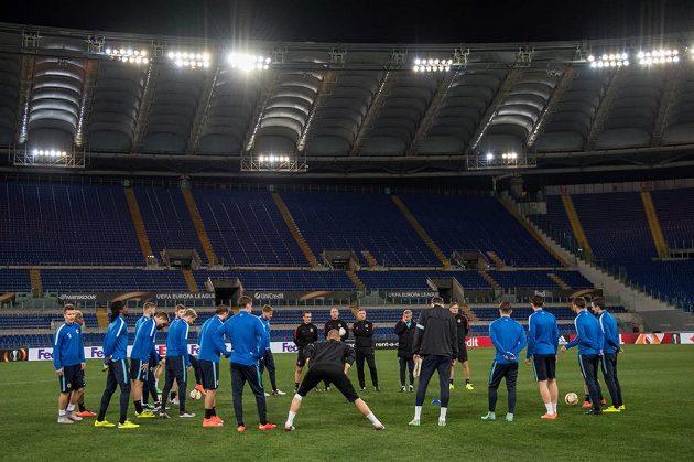 Fotbalisté Sparty Praha během tréninku před utkáním Evropské ligy v Římě.