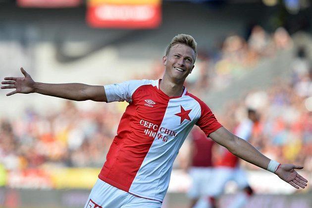 Slávistický záložník Antonín Barák se raduje na Letné z gólu proti rivalovi ze Sparty.