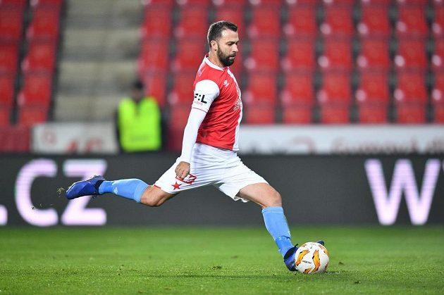 Záložník Slavie Josef Hušbauer proměnil penaltu a zvýšil náskok Pražanů v utkání MOL Cupu s Chrudimí.