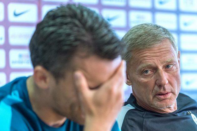 Sparťanský kouč Zdeněk Ščasný (vpravo) a útočník David Lafata během čtvrteční tiskové konferenci před začátkem nové sezóny.