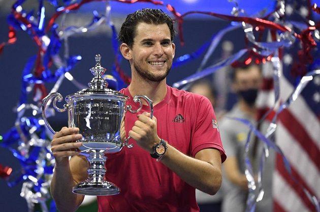 Vysmátý šampion. Tenista Dominic Thiem slaví první grandslamový vavřín. Rakouský hráč ovládl letošní US Open.