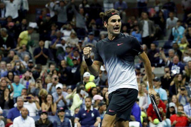 Roger Federer poráží Feliciana Lópeze.