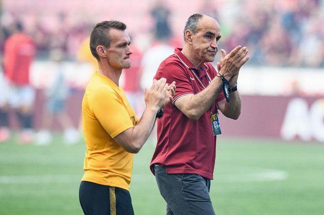 Trenér Sparty Praha Václav Kotal a kondiční trenér Tomáš Malý po utkání ve skupině o titul s FK Jablonec.