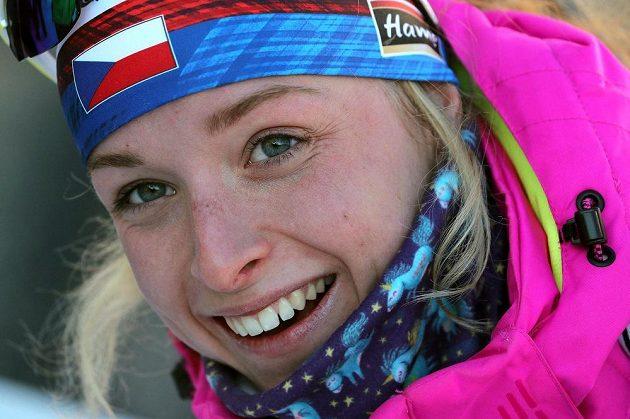 Česká biatlonová senzace - Markéta Davidová po triumfu v Anterselvě.